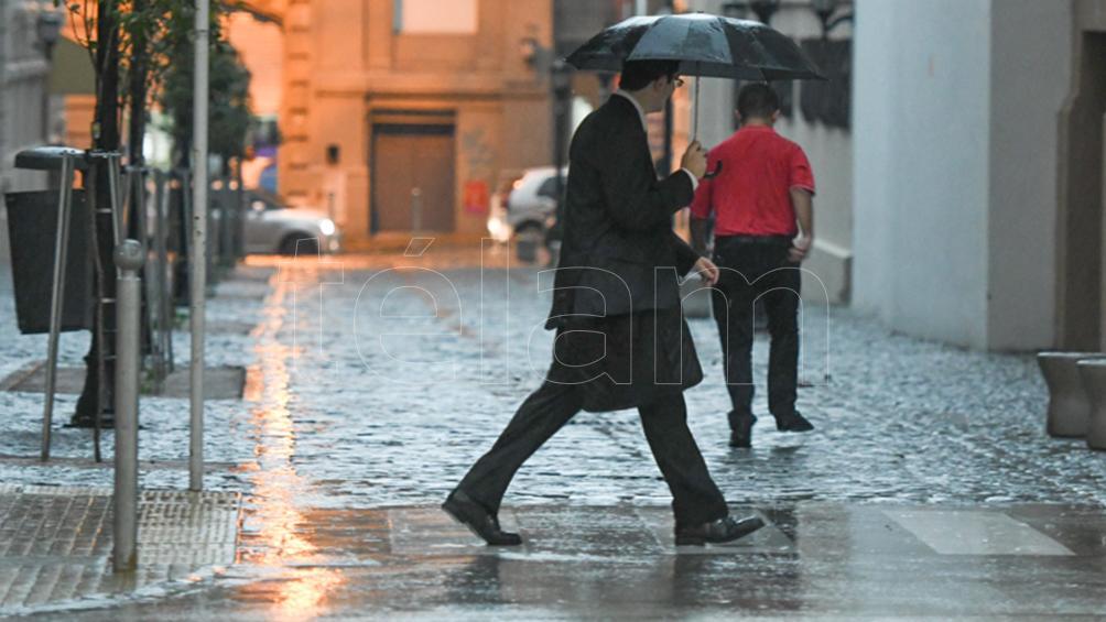 Martes con lluvias aisladas y una máxima de 24 grados en la Ciudad