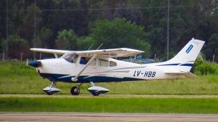 Cuatro delincuentes robaron a mano armada un avión y creen que fue por un encargo de narcos paraguayos