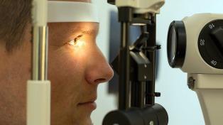 Afirman que menos uso de tecnología y más aire libre evitan el aumento de casos de miopía
