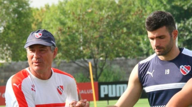 Holan y Gigliotti, en el entrenamiento de este jueves (Foto: @Independiente)