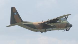 Un Hércules de la Fuerza Aérea se sumó a la búsqueda del avión chileno siniestrado