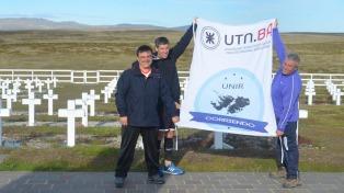 Corrió en Malvinas en homenaje a los caídos y ahora promueve un mensaje de paz