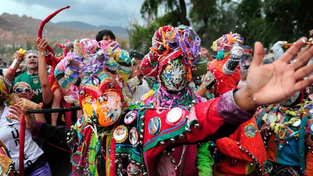 Jujuy Desenterró A Pujllay El Diablo Del Carnaval Télam Agencia Nacional De Noticias