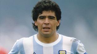 """""""Hay que ponerle prótesis en las rodillas"""", dijo el traumatólogo de Maradona"""
