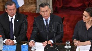 """Macri dijo que Baradel """"no necesita que nadie lo cuide"""" y el gremialista lo responsabilizó por la seguridad de sus hijos"""