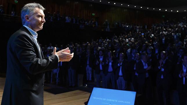 Marcos Peña criticó a la CGT y apuntó contra Cristina Kirchner