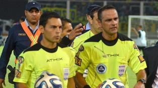 El árbitro del primer partido de la fecha regresó a Buenos Aires.