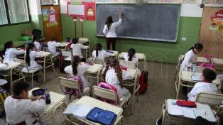"""El Gobierno reafirmó la idea de recuperar clases en el invierno y Baradel lo tildó de """"provocación"""""""