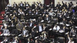 Diputados del oficialismo y la oposición buscan sesionar, y pujan por diferentes temarios
