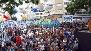 La CGT y las dos CTA acordaron movilizarse en conjunto a Plaza de Mayo el  22 de agosto