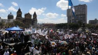 Nuevas marchas en reclamo de la renuncia de Jimmy Morales y diputados