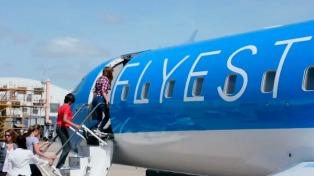 Presentaron el primer avión de una nueva compañía aérea que unirá Santa Fe, Mar del Plata y Rosario