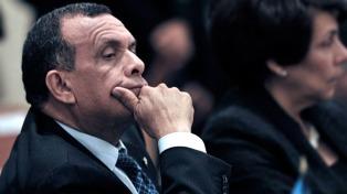 Una misión de la OEA acusa a un hermano del ex presidente Lobo de robar dinero