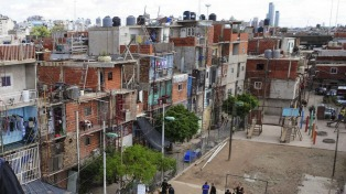 Más de 810.000 familias viven en las 4.100 villas y asentamientos de todo el país