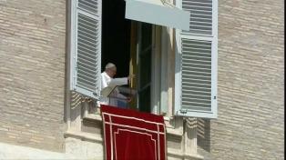 """El papa Francisco criticó el """"prejuicio"""" de """"juzgar a los otros"""" y lamentó que se sigan las """"luces falsas del interés personal""""."""