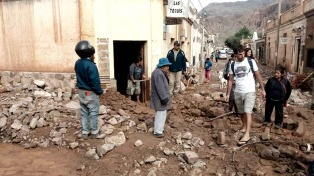 Familias evacuadas y barrios afectados por fuertes lluvias en Tilcara