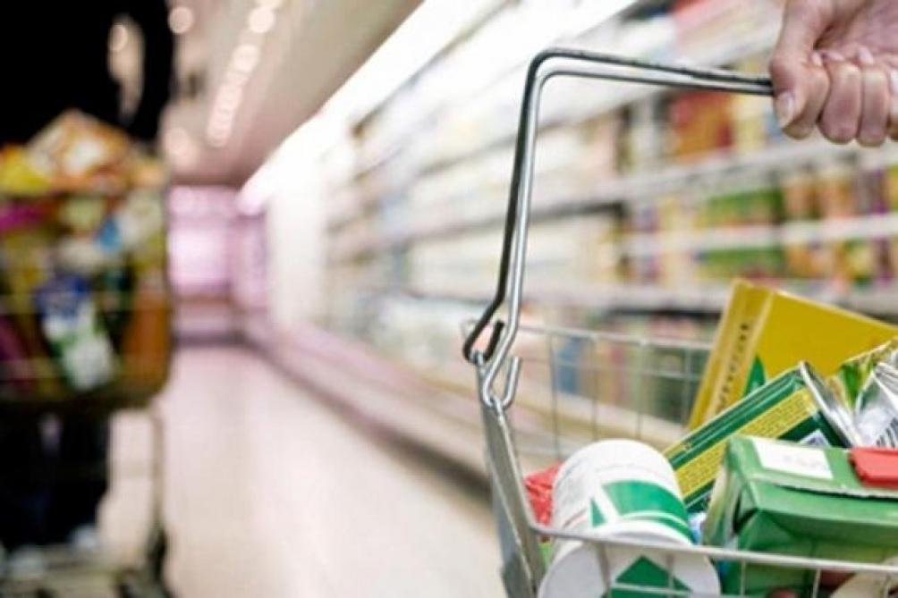 El índice de confianza del consumidor cedió tres por ciento en febrero