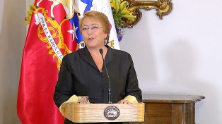 """Bachelet recibió a Guillier, quien valoró el encuentro de cara a un """"futuro gobierno"""""""