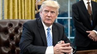 """Trump dijo que está """"abierto"""" a intentar otra reforma de salud"""