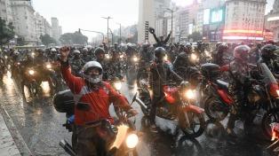 Cientos de motoqueros cortaron la zona del Obelisco y marcharon al Congreso