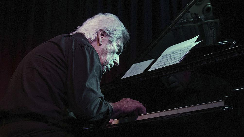 A punto de cumplir 80 años, Jorge Navarro presenta nuevo disco