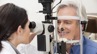 Nueva campaña de controles gratuitos en todo el país para prevenir el glaucoma