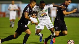 Lanús se hizo fuerte en Brasil y derrotó al Chapecoense