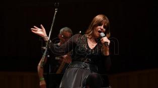 Fabiana Cantilo realizó un efectivo recorrido por el universo Beatle