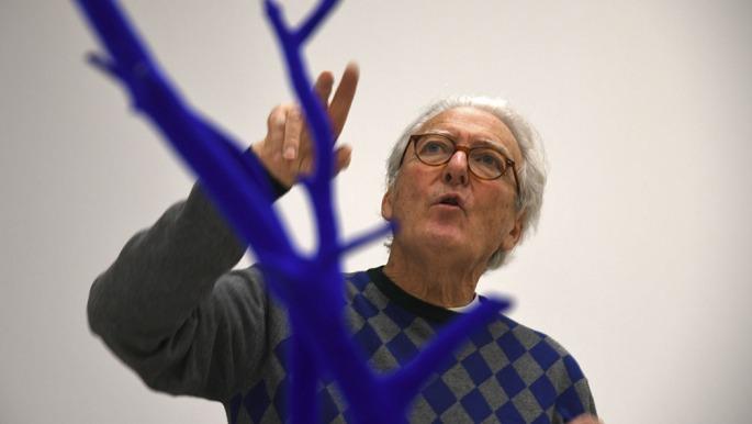 La primera retrospectiva en la argentina del artista for A piscina yves klein