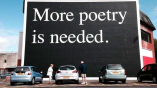 El Día Internacional de la Poesía llenó las redes de versos