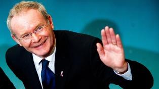 La polémica sobre Martin McGuinness sobrevoló su multitudinario funeral