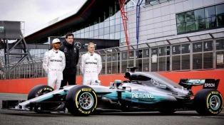 Hamilton fue el más rápido en las pruebas libres de Melbourne