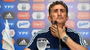 Bauza confirmó el equipo para recibir a Chile con Agüero de titular