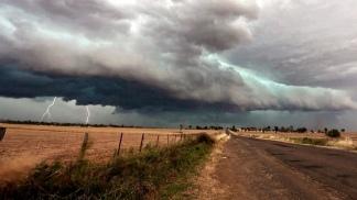 Alertas por tormentas, lluvias persistentes y vientos fuertes en distintas partes del país