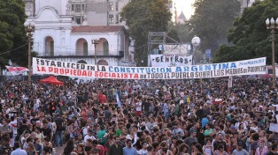 La izquierda concurrió a Plaza de Mayo para conmemorar el Día de la Memoria