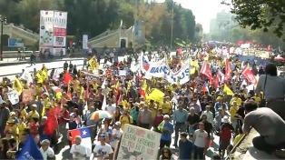 Multitudinaria marcha contra el régimen de jubilación privada chilena