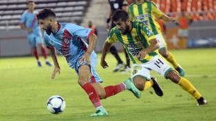 Aldosivi derrotó sobre el final a Arsenal, que sigue su mala racha
