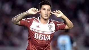 River superó a Belgrano y sigue prendido en el torneo