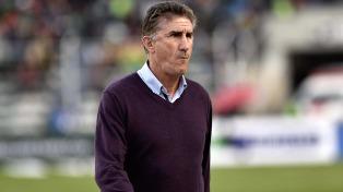 Bauza recibe en Quito a los dirigentes de Rosario Central, pero ya trabaja en el equipo