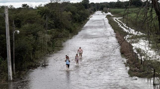 La provincia declaró la emergencia hídrica, social y agropecuaria — Inundaciones en Tucumán