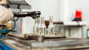 La industria del vidrio hueco creció 4% y está volcada al consumo interno