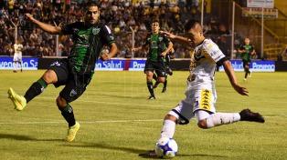 Olimpo y San Martín empataron sin goles en Bahía Blanca