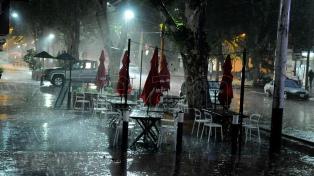El SMN renovó el alerta por tormentas fuertes para Buenos Aires y la región central del país