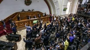 El Parlamento venezolano responsabilizó al Gobierno por la muerte del concejal