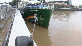Una visita a las entrañas del Rainbow Warrior, el buque de Greenpeace