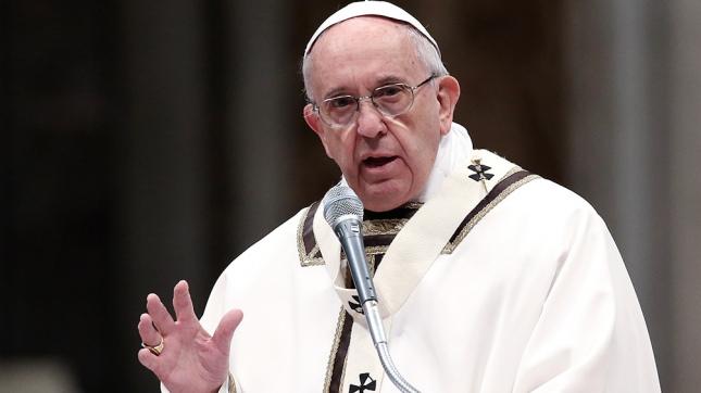El Papa almuerza con pobres, refugiados y sin techo — Génova