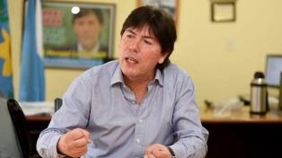 """Lugones: """"Verón no debería entrar a la barra al country del club"""""""