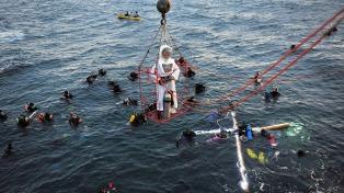 Más de 6.000 personas y 200 buzos participaron en el Vía Crucis Submarino