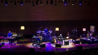 Santaolalla revisa su carrera con una gira por todo el país