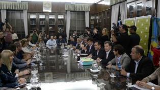 El gobierno de Vidal quedó satisfecho y los gremios docentes van de la cautela al rechazo